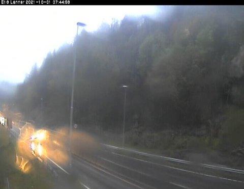 Slik ser det ut ved E18 på Lanner fredag morgen.