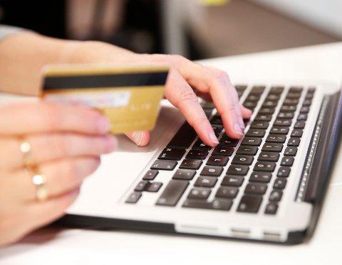 Ikke oppgi kredittkortnummer til «Microsoft»-svindlere.