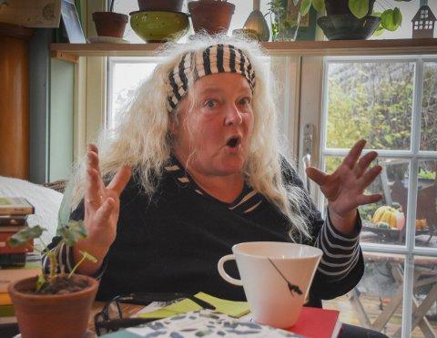 Ikke til stede: Anne-Line Henriksen skulle ha lansert hageboka «I vår hage» denne kvelden, men meldte forfall etter et tannlegebesøk.Foto: Mette Urdahl