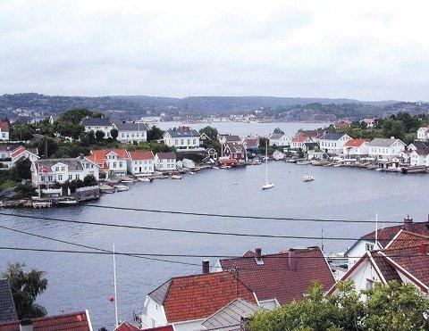 Boplikt: Lyngør har sammen med Sandøya og Borøya fortsatt boplikt, mens boplikten ble avskaffet i Tvedestrand sentrum for en del år siden. Arkivfoto