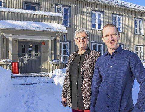 Englegaard: Jørn Hellevik i Care Service og gruppeterapeut Sissel Haugland Orsteen mener Englegaard er et bra sted å være både for pasienter og ansatte.Foto: M. Urdahl
