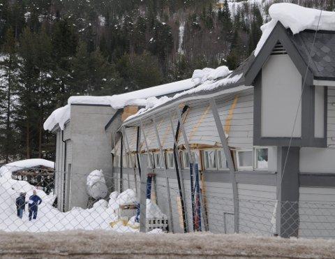 Skader: Det ble store skader på tak og vegger på Maxbo, da deler av taket ga etter på grunn av snømassene. (Illustrasjonsfoto)