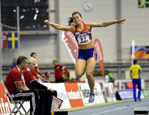 Toer: Oda Utsi Onstad ble nummer to i tresteg i innendørslandskampen i friidrett i Rudhallen søndag. Hun hoppet 13,28 meter som lengst.