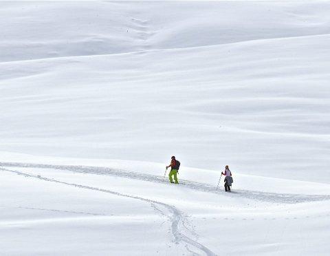 MYE STRÅLING: I år er det ikke bare på fjellet man må beskytte seg mot påskesola, men også i lavlandet.              Foto: Colourbox