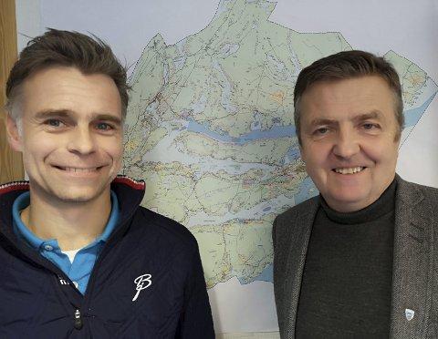 TOPPEN: Økonomisjef Halvor Halvorsen til venstre, her sammen med kommunedirektør Trond Aslaksen.
