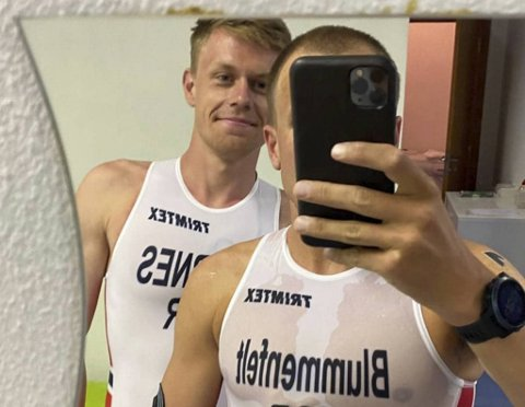 Det er kanskje ikke siste skrik fra Milano, men Casper Stornes og Kristian Blummenfelt mener den nye OL-drakten passer bra til svømming, sykling og løping.