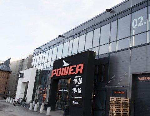 STREIK: De ansatte som jobber på Power sin avdeling i Drammen kan bli tatt ut i streik lørdag. De er en av flere butikker i distriktet som kan bli rammet.