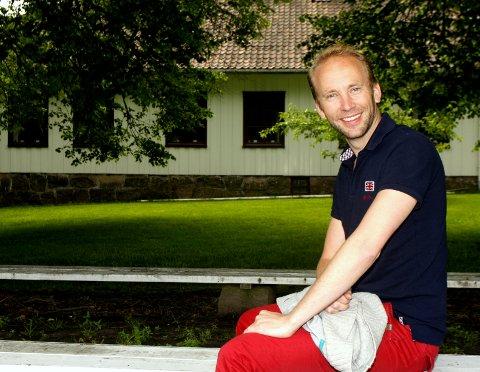 Mye folk: Erik-André Hvidsten gleder seg til lørdagens moro og underholdning på Hvidsten og Roald Amundsen Minne.
