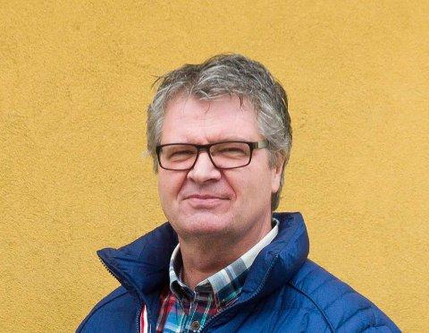 MANGE TANKER: Mangeårig leder i byens damehåndballklubb, Hans Eriksen, er langt nede etter klubbens konkurs.
