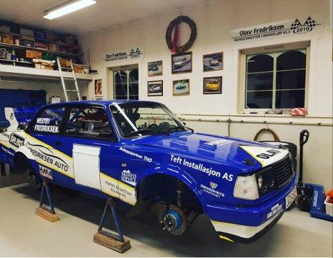 NM-START: Olav Fredriksens Volvo er klar til NM-åpningen i Sigdal lørdag. Der håper han å legge grunnlaget for en god NM-sesong. FOTO: PRIVAT