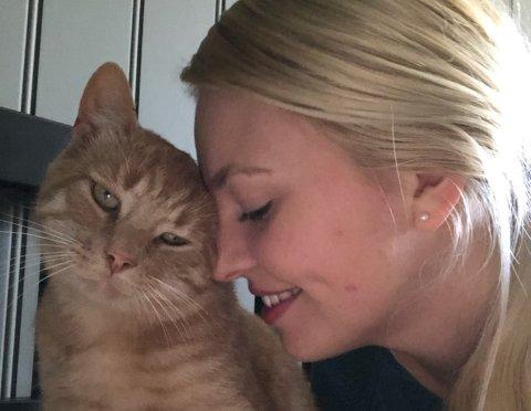 GLAD: Milla Eileen Engen-Ekkjestøl er veldig glad for at August er hjemme etter flere uker på rømmen.