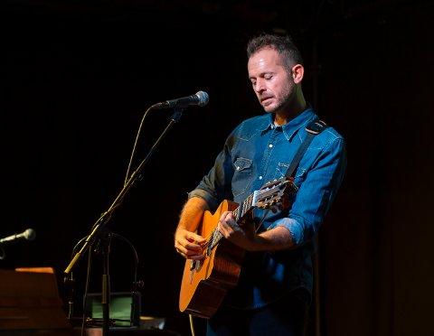 HØST-SHAUN: Når det mørkner ute og kulda setter inn, synes Shaun Bartlett det er ekstra hyggelig å invitere til konsert.
