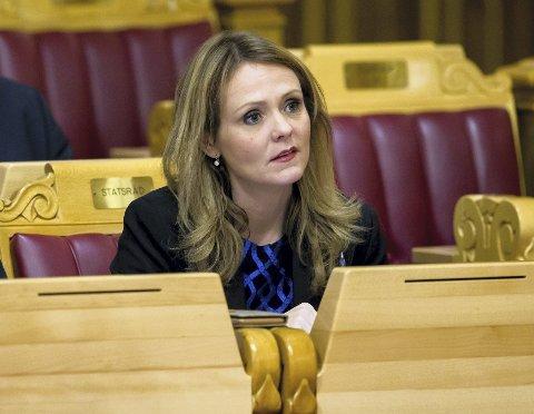 KLAR OPPFORDRING: Innsenderen mener barneminister Linda Hofstad Helland må være barnevernets ambassadør.