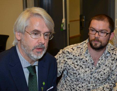 JA TIL ULV: Halvard Klevmark (til venstre) i MDG Oppland og Bård Sødal Grasbekk i MDG Hedmark gikk inn for å øke bestandsmålet for ulv. (Foto: Bjørn-Frode Løvlund)