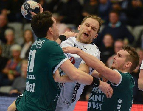 STOPP: Elverum kan ikke lenger avansere fra gruppespillet i årets mesterliga. To tap for Skjern var med på å forsegle de svart-hvites skjebne.