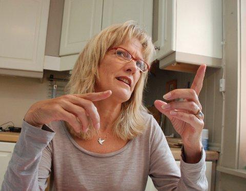 KRITISK: Stortingsrepresentant Karin Andersen (SV) er svært kritisk til angrepene på sykelønnen, som kommer både fra Høyre og Venstre. (Foto: Rune Hagen)