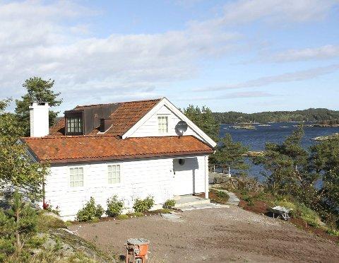 Carl Erik Kreftings feriested nært Engø, med flott utsikt over Grimestadbukta.