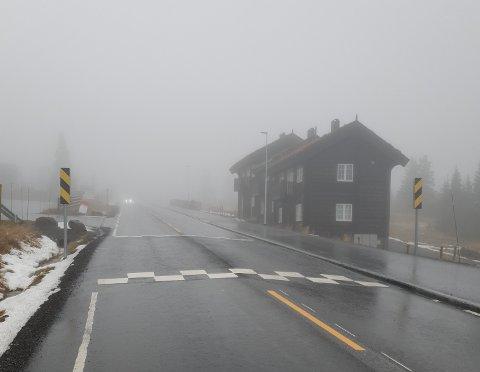 Brems: Fire slik fartshumper gjennom sentrum av Sjusjøen skal sørge for å holde farten til travle bilister nede.