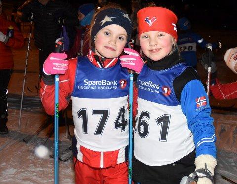 På start i fjor: Emma Rohr Slåtto (174) og Lotta Støa (161) deltok på forrige karusell.
