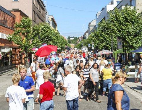 Sandefjord kommune er blitt større - mye større siden dette bildet ble tatt på Handelens dag i 2016.