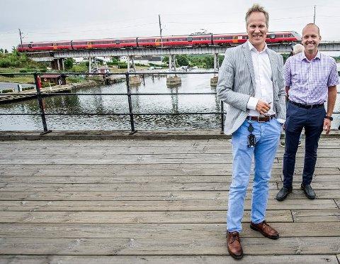 BYENE IKKE ENIGE: Fredrikstad-ordfører Jon-Ivar Nygård og Sarpsborg-ordfører Sindre Martinsen-Evje representerer bystyrer med høyst ulik oppfatning. Fredrikstad vil ha høring, mens Sarpsborg sier nei. (Arkivfoto: Geir A. Carlsson)
