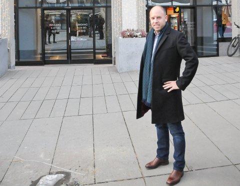 EIENDOMSKONGE: Emil Eriksrød har gått fra å kjøpe en liten leilighet i Bergen til å bi en av eiendomskongene i Skien.