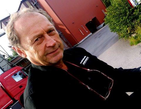 SIER NEI: Steinar Solum mener Vear har fått nok trafikkbelastning, og ikke bør slite med følgene av fastlandsforbindelsen slik den er vedtatt nå.