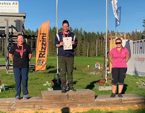 På pallen: Det sto mellom sølv og bronse for tvedestrandsjenta Veronica Lilleødegård. Hun havnet til slutt på tredjeplass etter omskyting.
