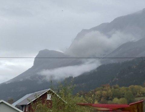 Steinsprang: Det ar i området skya ligg som det fredag gjekk to steinsprang ned mot E16, men det stoppa før det nådde vegen.