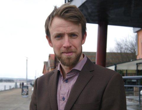 FRA HENDER TIL HJERNER: Lederkonsulent Magnus Mælum Norstrøm har gitt ut e-boken Ledermanifestet – fra hender til hjerner.