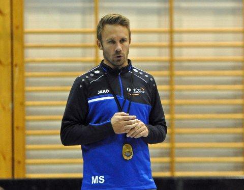 – Målet er å holde seg, også har vi håp om sluttspillplass med en optimal sesong, sier NOR 92-trener Manne Strandberg.