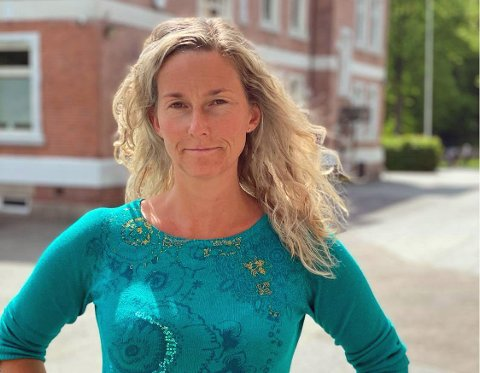 Stine Petterøe (39) er tillitsvalgt i Utdanningsforbundet for 30 medlemmer ved Børresen ungdomsskole. Onsdag morgen er de klare for å streike – om det blir en realitet.
