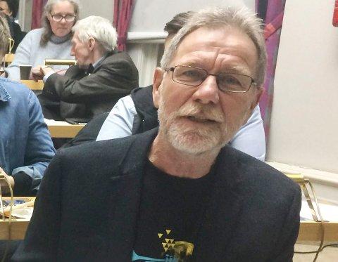 IKKE-SAK: Jan-Erik Andersen (Rødt) var glad for at alle partiene slår ring rundt Prestebakke skole. - Nå må Prestebakke bli en ikke-sak, sa han.