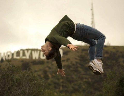 Dans: Daniel har mange følgarar på sosiale medier, der han legg ut spektakulære dansebilde og videoar.