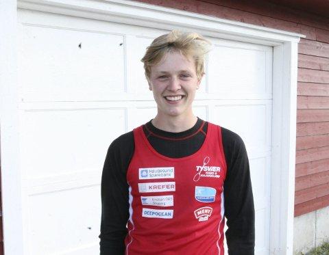 TO MEDALJER: Sander Askeland ble nummer 2, 3 og 5 på de tre distansene han deltok i under Ungdomsmesterskapet i Bergen i helgen. FOTO: JOAKIM ELLINGSEN