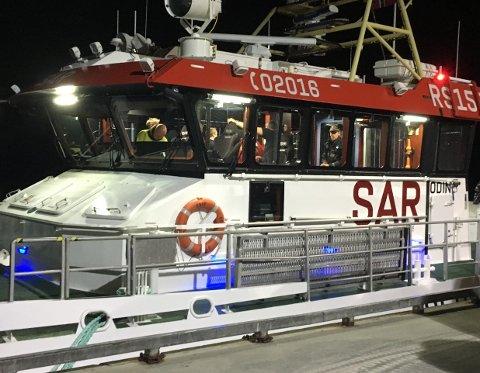 Redningsskøyta med politiet ombord.