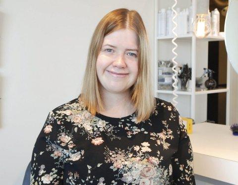 FØR: Slik så Jeanette Øien ut før frisør Nina Stien slapp seg løs med saks og sminke. Alle foto: Trond Ivar Lunga