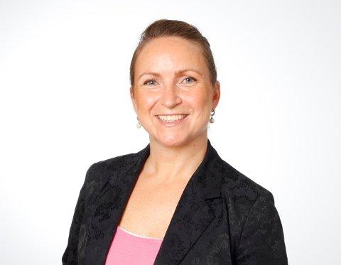FINNMARKSTURIST?: Kommunikasjonssjef Catharina Solli i Widerøe vurderer å ta med familien på fisketur i Varanger.