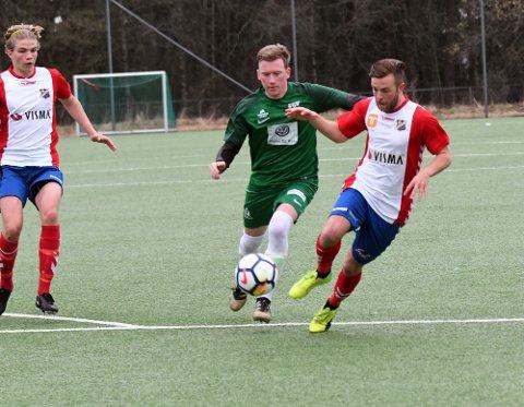 SJANSELØSE: Simen Aronsen Goplen og Manglerud Star tapte 1-5 mot Lyn.