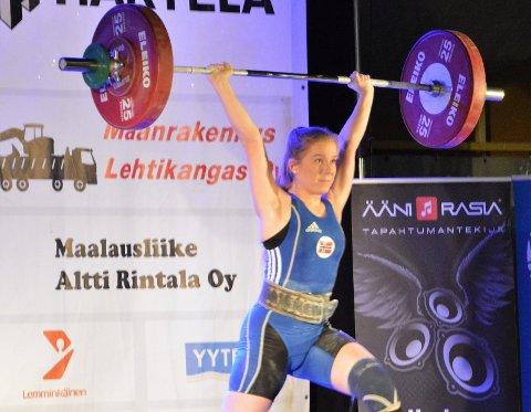 MEDALJE: Sofie Prytz Løwer løftet seg til en bronsemedalje i den tøffe 69-kilosklassen.