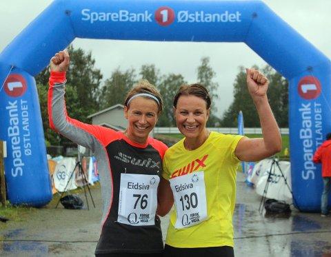 Spreke søstre: Kari (til venstre) og Grete Lier løper Tour of Mjøsa. Sistnevnte hadde ikke tanker for å delta før Kari ga henne startnummer i 40-års gave.