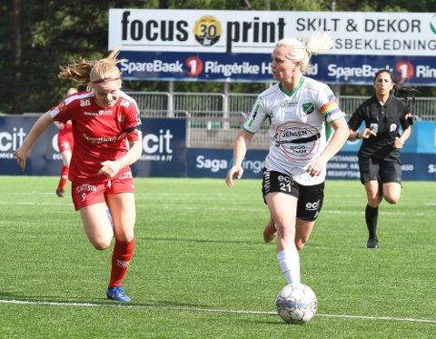JOBBET: Silje Nyhagen jobbet så lenge kreftene holdt, og scoret HBK-målet.
