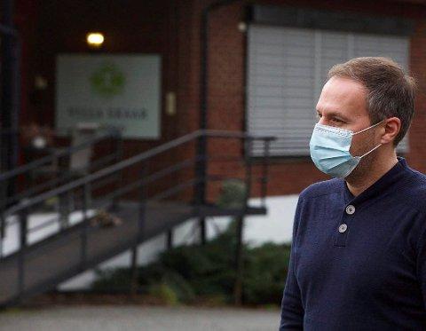 COVID 19: Richard Skaar Thorsrud, administrerende direktør ved Villa Skaar Valstad, omtaler situasjonen som forferdelig. (Foto: Lisbeth Lund Andresen)