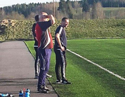 Aurskog-Hølands trenerduo Bengt Krogstad (t.v.) og Arne Henrik Vestreng.