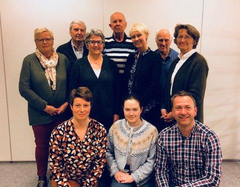 Dette  er nominasjonskomiteen i Indre Østfold Sp: Bak f.v. Torhild Jahren, Jørn Holene, Anne Sofie Hoff, Øystein Holene, HIlde Sørby Haakaas, Martin Veidal og Ingjerd Resen-Fellie. Foran f.v. Trude J. Svenneby, Tuva Nybakk og Sondre Bergersen. Foto: Privat