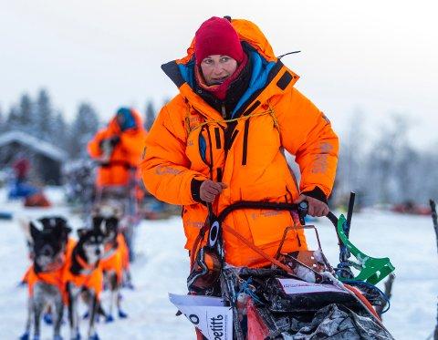 LANGT BAK: Marit Beate Kasin ligger et godt stykke bak teten i årets Femundløp. Hun kjørte ut fra sjekkpunkt Orkelbogeni dag tidlig på 15. plass.