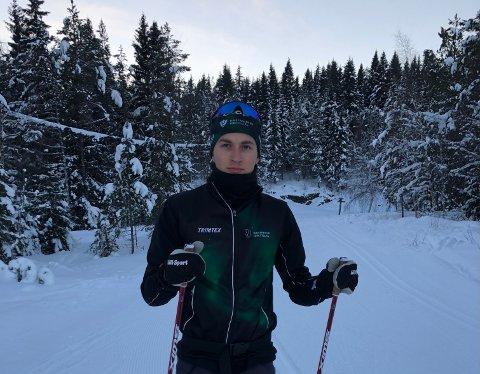 Nikolai Solem Eiterjord satser alt på å bli en god skiløper, men etter en trøblete fjorårssesong får han ikke gå Norgescup eller NM i år. Foto: Privat