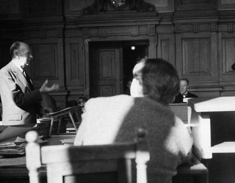 Også Mykles kritikere stilte opp i rettssalen. Professor i idéhistorie A.H. Winsnes meldte seg som vitne mot forfatteren. FOTO: Børretzen, Sverre A.