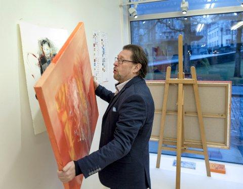 Kunsthandler Egill Wendelboe Aarø på Engen.
