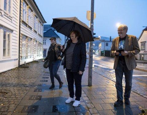 Freda Kelly er på besøk i Bergen etter en helg med Beatlesfestivalen på Beitostølen. Jan Henrik Fosse kjørte gjestene og datteren Rachel Norris som ble med moren på hennes første Norges-tur.
